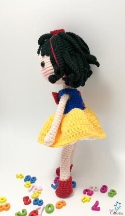 snow white-11